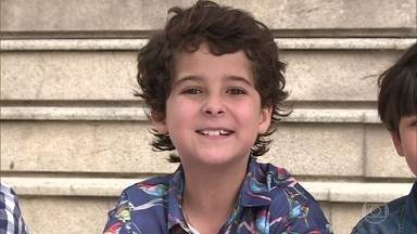 O ator mirim Luiz Felipe visita o Planetário do Rio com os amigos - Crianças tiram dúvidas com astrônomo; assista!