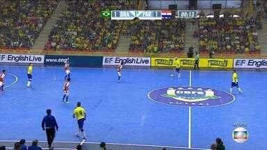 Brasil 2 x 1: Brasil vira para cima do Paraguai pelo Desafio Internacional de Futsal - Quase do meiocampo Jackson solta a bomba no ângulo do goleiro paraguaio