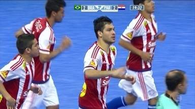 No início do segundo tempo, Paraguai empata pelo Desafio Internacional de Futsal - Time brasileiro desperdiça posse de bola e permite igualdade por 2 a 2