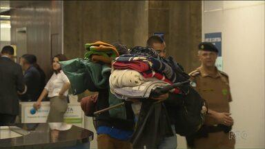 Estudantes desocupam escolas e o Núcleo Regional de Educação - 570 escolas já foram desocupadas