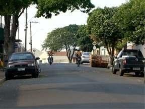 Katiuscia Reis visita a Cecap, em Pres. Prudente - Bairro tem ruas com nomes de flores.