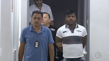 Jovem que espancou ex em bar se entrega na delegacia em Marília - O suspeito de agredir a ex-companheira violentamente com socos, chutes e joelhadas em um bar de Álvaro de Carvalho (SP), se entregou na manhã desta quarta-feira (2) na Central de Polícia Judiciária de Marília. Kelvin Luiz de Assis Soares, de 24 anos, foi flagrado pela câmera do bar espancando Judy Aparecida Brito de Souza, de 18 anos, com quem tem uma filha de 3 anos.