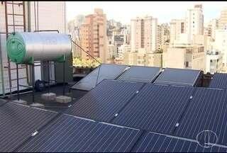 Energia solar é alternativa barata para economizar na conta de luz - Aumento no custo da energia elétrica faz moradores buscarem novas soluções para conter gastos.