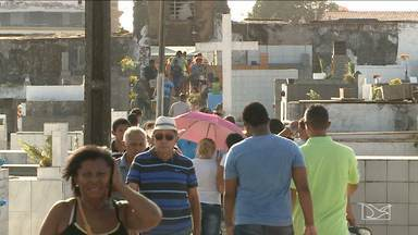 Movimento em cemitérios de São Luís foi intenso em Dia de Finados - Movimento em cemitérios de São Luís foi intenso em Dia de Finados.