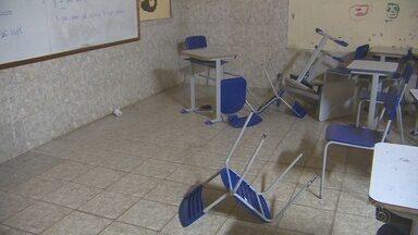 Em Santana, no Amapá, escola é invadida e roubada pela 5ª vez - Em Santana, no Amapá, escola é invadida e roubada pela 5ª vez.