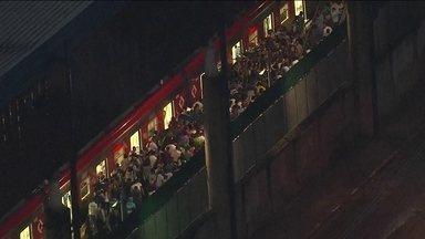Linha 3-Vermelha do Metrô fica 26 horas com lentidão - Uma falha no sistema de sinalização reduziu a velocidade dos trens e levou milhares de pessoas a perder um tempo precioso.
