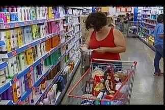 Uberabenses optam pelas compras semanais para aproveitar promoções em supermercados - Segundo consultor financeiro Júlio Franco, quanto mais o cliente visita o supermercado, maiores as chances de encontrar produtos em oferta - o que pode fazer diferença no orçamento da família.