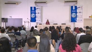 Cobertura política é tema no 2º dia de Seminário de Jornalismo, em Manaus - Roseann Kennedy e Ana Zimmermann palestraram na quinta-feira (10).