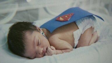Fotógrafos voluntários registram bebês prematuros na UTI neonatal de Ceilândia - As fotos vão fazer parte de uma exposição no hospital.
