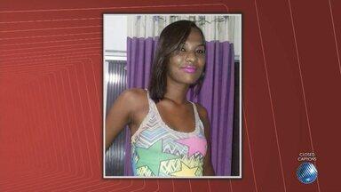 Polícia prende suspeita de participar de assalto ao cantor Tuca Fernandes - Mulher mora ao lado do local onde o crime ocorreu. Na casa dela foram encontrados alguns itens que foram roubados.