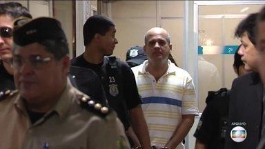 PF faz operação contra grupo que teria matado mais de cem em Goiás - Chefe do Policiamento de Goiânia é suspeito. Segundo a PF, ele fazia parte de grupo de extermínio formado por PMs de Goiás que agia desde 2006.