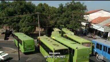 Motoristas de ônibus paralisam atividades e se unem a manifestantes em greve geral - Motoristas de ônibus paralisam atividades e se unem a manifestantes em greve geral