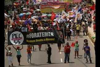 Manifestantes contra a PEC 55 se mobilizaram em diferentes pontos da cidade - Manifestantes são contra a PEC que limita os gastos públicos.