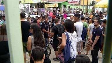 Vestibular é realizado em unidade do IFF em Campos após desocupação de estudantes - Alunos aceitaram deixar campus para realização da prova.