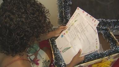 Campanha 'Papai Noel dos Correios 2016' é lançada em Macapá - Foi lançada em Macapá a campanha Papai Noel dos Correios. As crianças podem enviar suas cartinhas até o dia 21 de novembro e os padrinhos podem adotar uma carta até o dia 10 de dezembro.