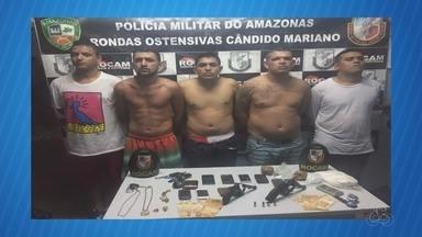 Suspeitos de tráfico são presos em Itacoatiara, no AM - Operação apreendeu dinheiro e drogas.