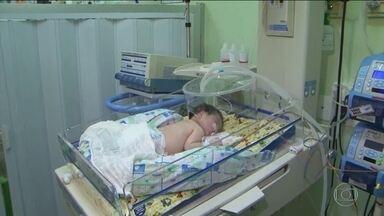 Fila de bebês para cirurgias cardíacas é mais um drama na saúde do país - De acordo com a Sociedade Brasileira de Cirurgia Cardiovascular, uma em cada cem crianças nasce com alguma doença no coração.