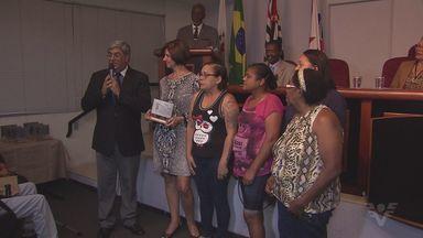 Troféu Zumbi dos Palmares homenageia pessoas que trabalham contra o preconceito - Neste domingo (20), é comemorado o Dia da Consciência Negra.