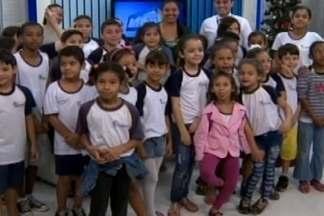 Alunos da Escola Estadual Pedro Magalhães visitam sede da TV Integração em Divinópolis - Eles conheceram a Redação e viram como são feitos os telejornais da emissora.