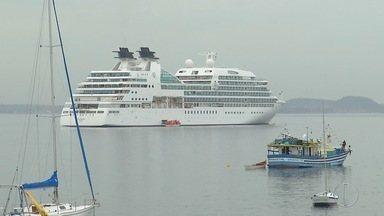 Segundo transatlântico atraca nesta terça em Búzios, no RJ - Até 14 de abril de 2017, cerca de sete navios irão trazer turistas de várias partes do mundo.