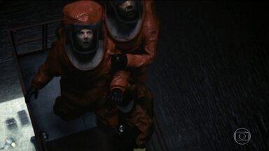 'A chegada' transforma alfabetização de ETs em filmaço tenso e atordoante - O filme de ficção científica tem visão nada clichê da relação humanos x aliens. A atriz Amy Adams e a direção de Dennis Villeneuve credenciam filme ao Oscar.