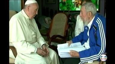Fidel Castro recebeu três papas em Cuba - Embora se dissesse ateu, o presidente cubano recebeu João Paulo II, Bento XVI e Francisco. Os encontros foram amistosos e ajudaram a derrubar algumas barreiras.