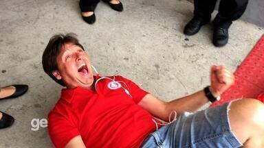 """Reza a """"São F9"""", tensão e festa: as reações da torcida do Inter contra o Cruzeiro - Assista ao vídeo"""