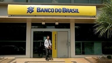Caixas automáticos do Banco do Brasil operam em novo horário em Bauru - A partir desta segunda-feira (28), os caixas automáticos de agências do Banco do Brasil em Bauru (SP) passam a operar com novo horário. Depois das 18 horas e nos finais de semana e feriados, os equipamentos não estarão disponíveis para os clientes.
