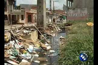 Reportagem flagra despejo de lixo e entulho em diversos pontos de Belém - O cenário de sujeira pode ser encontrado tanto em bairros do centro quanto da periferia da capital.