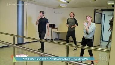 Atores de 'Rock Story' aprendem coreografias especiais - Confira como foram os ensaios para a apresentação do Prêmio de Música da novela das sete