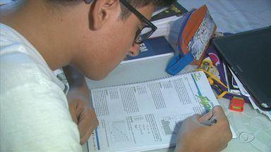 Provas adiadas do Enem acontecem neste fim de semana em Alagoas - Milhares de estudantes vão fazer o exame neste sábado (3) e domingo (4) or causa das ocupações nos locais onde iriam fazer as provas.
