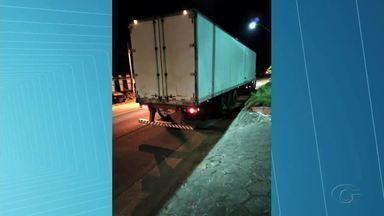 Sefaz apreende mais de 5 toneladas de mercadoria irregular em Atalaia e Satuba - Mercadorias sem a nota fiscal estavam divididas entre 7 caminhões.