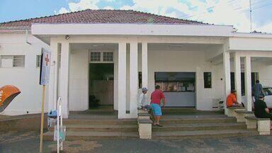 Estudantes que se passaram por médicos são liberados após pagamento de fiança - Diretor do Departamento de Saúde de Santa Rita do Passa Quatro comentou o episódio em entrevista ao Jornal da EPTV; confira.