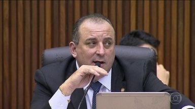 Justiça de MG afasta presidente da Câmara de Belo Horizonte - Wellington Magalhães, do PTN, foi afastado do mandato de vereador e também do comando da casa. Nesta terça-feira (6), a polícia esteve na Câmara dos Vereadores para cumprir sete mandados de condução coercitiva.