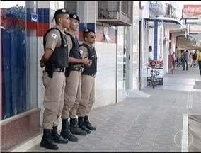Policiamento é reforçado em Montes Claros durante período de Natal - Principal objetivo é manter segurança no Centro e bairros durante as compras no comércio.