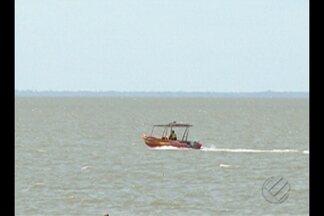 Polícia inicia as investigações para identificar os culpados pelo naufrágio de lancha - As famílias dos dez desaparecidos estão angustiada à espera de notícias.