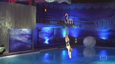 Marcela Fetter garante vaga na final do Saltibum 2016 - Confira a apresentação da atriz, que saltou da plataforma de 7,5 metros