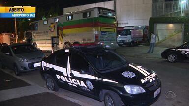 Operação do Ministério Público fiscaliza formatura em Porto Alegre - Ação trabalha contra o consumo de bebida alcoólica por adolescentes.