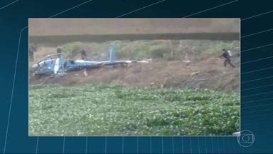 Peritos revelam que helicóptero da PM que caiu na Cidade de Deus não tinha marcas de tiro - A Aeronáutica concluiu a análise na fuselagem do helicóptero que caiu em uma operação da Polícia Militar, na Cidade de Deus. Os peritos não encontraram nenhuma marca de tiro.
