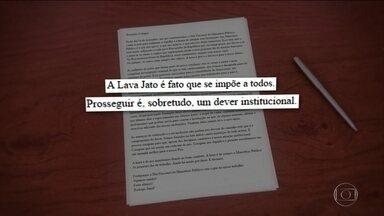 """Procurador-geral da República defende a Lava Jato em mensagem ao MP - Rodrigo Janot enviou uma carta dizendo que é dever institucional prosseguir com a Lava Jato e também que """" a hora é grave e decisiva para o nosso futuro""""."""