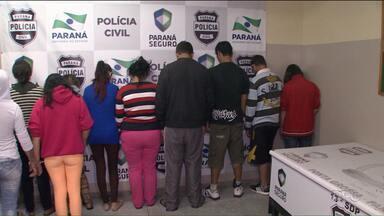 Polícia civil prende traficantes que recebiam ordens de dentro da cadeia - A droga era feita por mulheres que usavam os próprios filhos para tentar despistar a polícia.