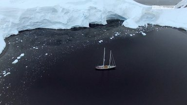Mergulho E Snowboard No Iceberg