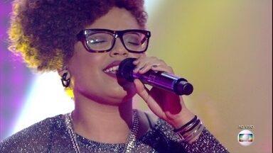 Brena Gonçalves canta 'Gatas Extraordinárias' - Michel Teló comenta a apresentação da cantora