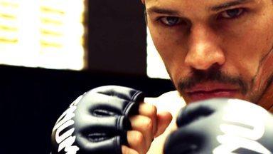Episódio 2 - Antes de realizar o sonho de ser lutador profissional, Aldo tem que trabalhar como faxineiro e garçom. Dedé Pederneiras se oferece para treiná-lo e lhe consegue a 1ª luta.