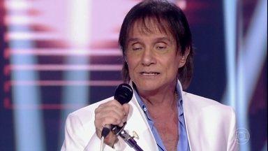 Roberto Carlos canta a música 'Como vai Você' - Confira!