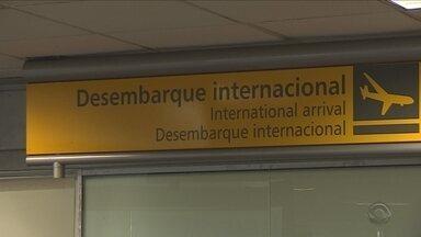 Movimento de turistas é grande no terminal rodoviário e no aeroporto de Florianópolis - Movimento de turistas é grande no terminal rodoviário e no aeroporto de Florianópolis
