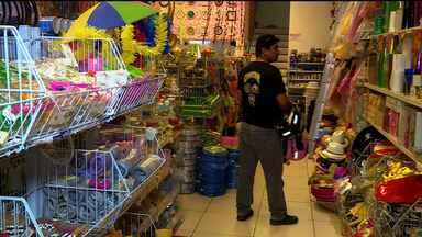 No shopping de Petrolina, o movimento nas lojas foi intenso - Tem sempre os atrasadinhos que deixam as compras de natal pra última hora.