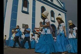 Em Bragança, Marujada faz homenagem a São Benedito - A festividade uni marujos de todas as idades, homens e mulheres em uma devoção que nasceu da fé dos escravos.