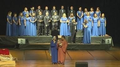 Cantata 'É Natal para Sempre' é apresentada em Porto Velho - Coral da Igreja Wesleyana se apresentou na noite de Natal.