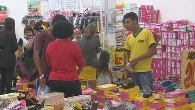 Centro de Macapá estava lotado na véspera de natal - Centro de Macapá estava lotado na véspera de natal.